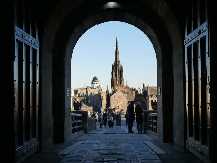 little-fish-walking-tours-edinburgh_Edinburgh_Castle_Tour3