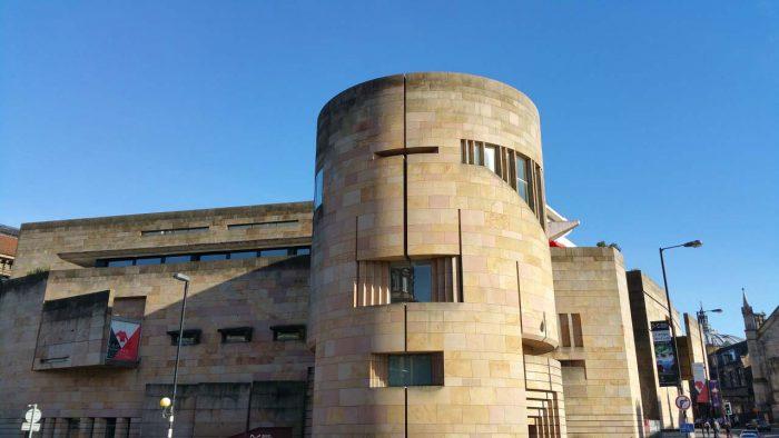 little-fish-walking-tours-edinburgh_Edinburgh_Museum_Tour_1
