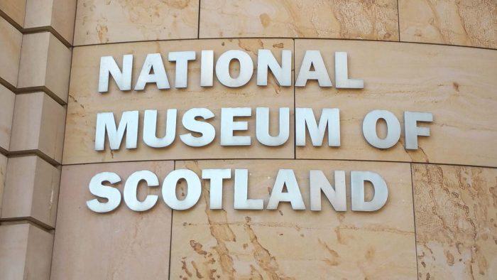 little-fish-walking-tours-edinburgh_Edinburgh_Museum_Tour_2